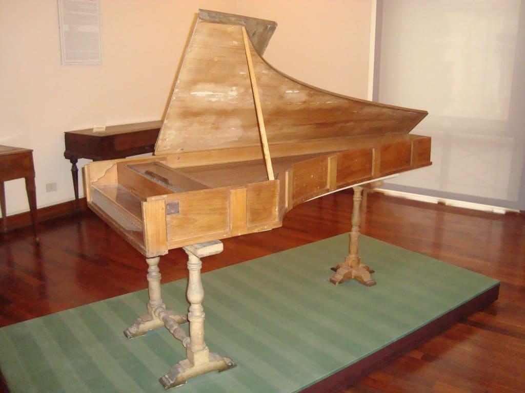 Piyano Hakkında Kısa Bir Yazı